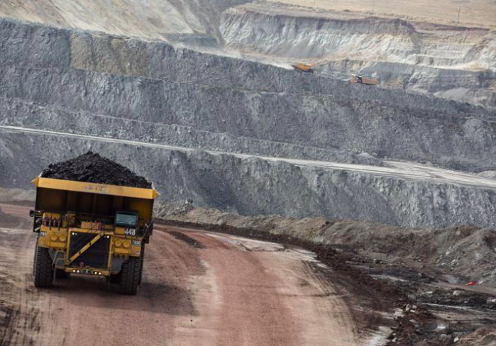 Two Large WY Coal Mines Close Abruptly Leaving Miners in the Dust