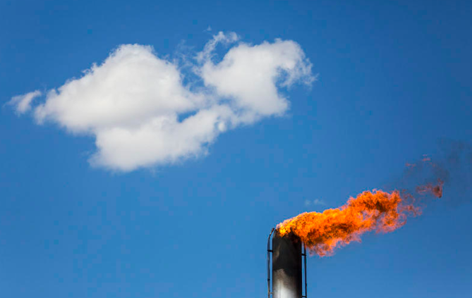 Pipeline Company Challenges Gas Venting and Flaring in Texas