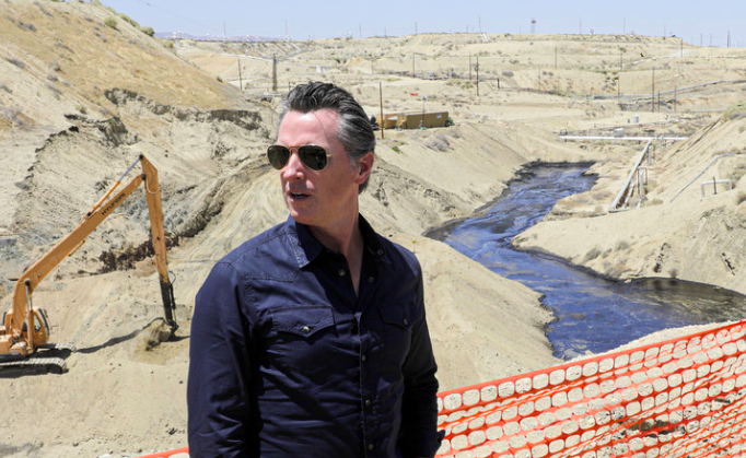 CA Governor Halts Fracking Permits, NY Governor In Standoff Over Natural Gas