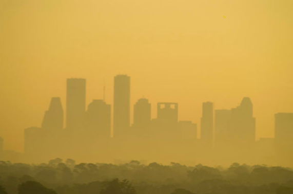 Even As Air Pollution Drops, Communities of Color in the U.S. Still Breathe Dirtier Air